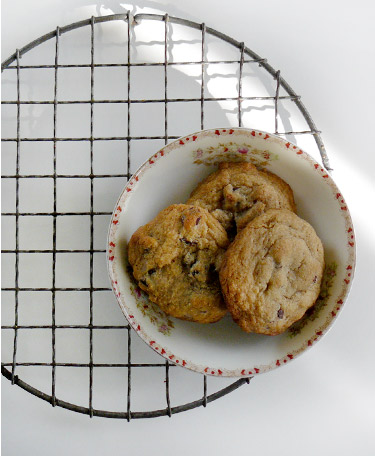 Gluten-free Chocolate chip cookies in dish